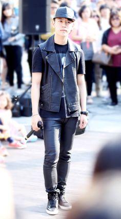 Jung Daehyun Himchan, Youngjae, Jung Daehyun, Pop Bands, Bap, Asian Fashion, Korean Singer, Boy Groups