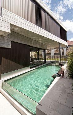 [PROJECT - Six Degrees of Separation] The #swimmingpool features a Quartzon finish: http://www.quartzon.com.au/   © Edward Birch   #LuigiRosselliArchitects #LuigiRosselli #Architecture