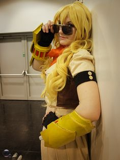 Yang Xiao Long from RWBY Cosplay by FakeFairy