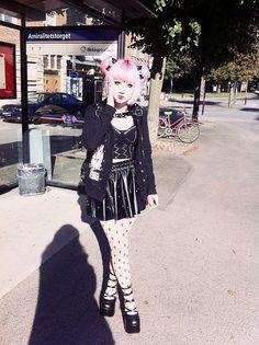 Japanese gothic fashion