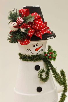 Easy and Fun Christmas Crafts for Kids to Make – Clay Pot Snowmen Christmas Clay, Christmas Snowman, Christmas Projects, Holiday Crafts, Handmade Christmas, Snowman Christmas Decorations, Snowman Crafts, Christmas Ornaments, Snowman Ornaments