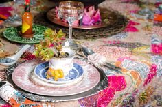 Christmas table and interiors for an outdoor Christmas. Miss Match table decor with an ethnic fusion vibe. Eclectic African style interiors and fashion. African Christmas, Miss Match, Days Till Christmas, Christmas Decorations, Table Decorations, African Style, Outdoor Christmas, Ethnic, Sky