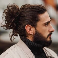 Thinking about getting a man bun or top knot? Here is the definitive guide on the ever-popular man bun hairstyle. Man Bun Short Hair, Long Curly Hair Men, Undercut Long Hair, Men Hair Bun, Thick Hair Men, Man With Long Hair, Thick Long Hair, Long Hair Beard, Straight Hair