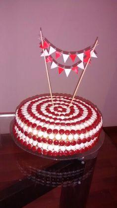 Simple circus cake