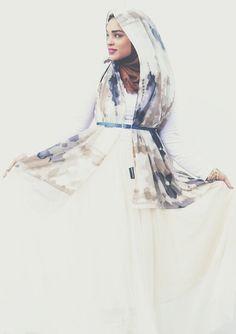 Ruma from the IG account amurvruma wearing a hijab from Haute Hijab. Love how she styled it, masha'Allah! Source.