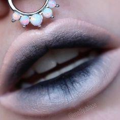 💀 Decay 💀 Lip look via using 'Black Velvet' Velvetine Demon Makeup, Witch Makeup, Sfx Makeup, Cosplay Makeup, Costume Makeup, Makeup Art, Ghost Makeup, Dark Angel Makeup, Fairy Makeup