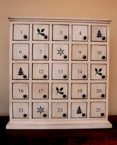 diy Wooden white advent calendar with little drawers - 2015 Christmas tree, snowflack, home decoration Advent Calendar For Toddlers, Wood Advent Calendar, Advent Calander, 1 Advent, Wooden Calendar, Christmas Holidays, Christmas Crafts, Xmas, Christmas Ideas