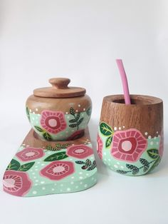 Wood Projects, Projects To Try, Art N Craft, Painted Pots, Plates And Bowls, School Projects, How To Make Cake, Animal Drawings, Wood Art