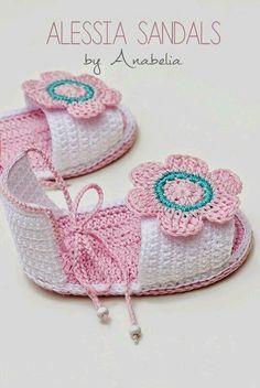 Zapatitos de crochet de bebé                                                                                                                                                      Más                                                                                                                                                     Más Crochet Hats, Crochet Baby Booties, Baby Shoes, Booty, Pattern, Kids, Clothes, Fashion, Crochet Necklace