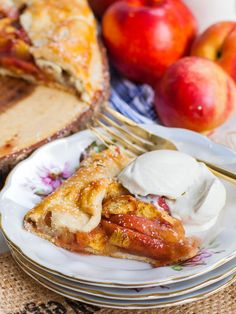 Juicy and aromatic peach galette made with an all-butter pie crust, fresh peaches and served a la mode. Cuisinart Food Processor, Food Processor Recipes, Peach Galette Recipe, Tatyana's Everyday Food, Peach Pie Recipes, Peach Crumble, Tart Filling, Peach Juice, How To Make Pie