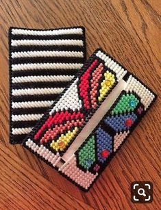 Plastic Canvas Coasters, Plastic Canvas Tissue Boxes, Plastic Canvas Crafts, Plastic Canvas Patterns, Yarn Crafts, Crochet Crafts, Diy Crafts, Cross Stitch Embroidery, Cross Stitch Patterns