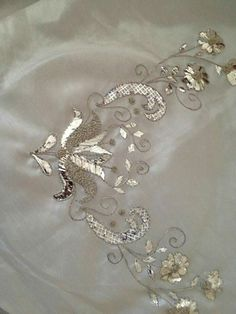 Neşe'nin gözdeleri Couture Embroidery, Turkish Fashion, White Orchids, Gold Work, Hand Embroidery Designs, Scarf Styles, Origami, Diy And Crafts, Antiques