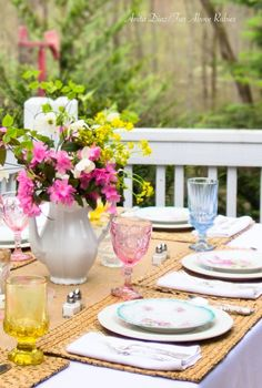 I love pretty tablescapes, and spring certainly gets me in the mood to create a nice table -- especially when it's just warm enough to head...
