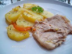 Restaurantul de acasa: Carne de porc cu cartofi , ceapa si rosii la cupto...