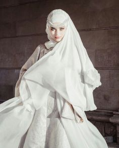We Heart It de resim - Hijab Wedding, Thai Wedding Dress, Fancy Wedding Dresses, Bridal Hijab, Muslim Wedding Dresses, Muslim Brides, Luxury Wedding Dress, Muslim Girls, Beautiful Muslim Women