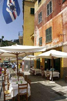 Eight Hotel Portofino: 'O' Magazin restaurant Travel Maps, Us Travel, Travel Destinations, Italian Language, Price Book, Great Restaurants, French Riviera, Wonders Of The World, Places Ive Been