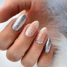 Nails 130 glamorous glitter nail arts for christmas 105 Cute Acrylic Nail Designs, Cute Acrylic Nails, Cute Nails, Nail Art Designs, Glittery Nails, Christmas Gel Nails, Holiday Nails, Stylish Nails, Trendy Nails