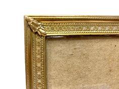 Vintage Picture Frames, Vintage Frames, Vase Centerpieces, Gold Texture, Vintage Home Decor, Art Deco Fashion, A Table, Wedding Photos, Brass