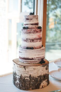 DIY Red Velvet Naked Wedding Cake | Dolled-Up Cakes by Lissette https://www.theknot.com/marketplace/dolledup-cakes-by-lissette-alameda-ca-806384 | Blair Nicole Photography https://www.theknot.com/marketplace/blair-nicole-photography-la-habra-ca-605227