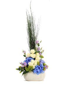 Gift Ideas - Easter Flowers: Flower Vase - Roses and Hydrangea! Easter Flowers, Flowers Online, Amazing Flowers, Flower Vases, Hydrangea, Singapore, Roses, Gift Ideas, Plants