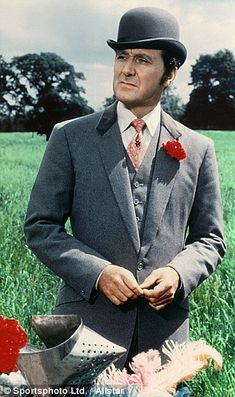 Avengers star Patrick Macnee dies aged 93 | Daily Mail Online