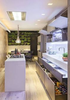 5 Quick Tips to Updating A Rental Kitchen Contemporary Cabinets, Contemporary Kitchen Design, Interior Design Kitchen, Beautiful Kitchen Designs, Best Kitchen Designs, Beautiful Kitchens, Cabinet Decor, Cabinet Design, Rental Kitchen