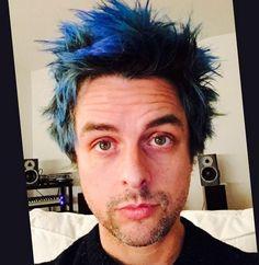 Ooooh! Billie Joe's hair is blue now!