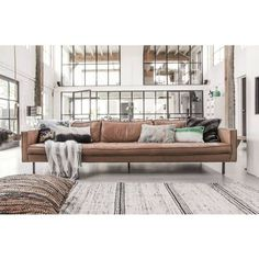 Bank Rodeo cognac bruin leer in 2019 Decor Inspiration, Living Room Inspiration, Estilo Industrial Chic, Interior Design Living Room, Living Room Decor, Home And Living, Living Area, Beautiful Homes, Architecture Design