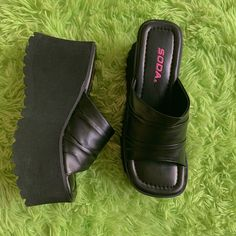 90s Shoes, Swag Shoes, Shoes Heels, Pumps, Pretty Shoes, Cute Shoes, Me Too Shoes, Dream Shoes, Crazy Shoes