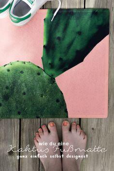"""schereleimpapier DIY & Upcyling: Ich zeige euch in einem ausführlichen Tutorial, wie ihr eine DIY Fußmatte mit Kaktus & sommerlicher Farbe selber machen könnt! Klickt auf """"Mehr"""", um euer eigenes DIY Sommer Design mit Sukkulenten und bunter Farbe zu entwickeln - als DIY Geschenk oder DIY Deko - schöner Wohnen mit einer schicken Fußmatte!"""