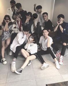 Friends Moments, Group Of Friends, Cute Friends, Friends Forever, Mode Ulzzang, Ulzzang Korean Girl, Ulzzang Couple, Poses, Korean Best Friends