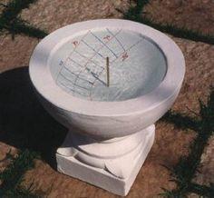 Wonderful example of a water clock    TECNOLOGIA:
