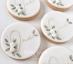 First Birthday Cookies, Birthday Sweets, 1st Birthday Party For Girls, Sugar Cookie Cakes, Sugar Cake, Painted Wedding Cake, Wedding Cake Cookies, Luxury Cake, Paint Cookies