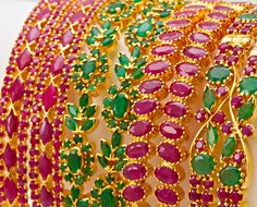 Indian Jewellery and Clothing: Ethnique jewellery Gold Bangles Design, Gold Earrings Designs, Gold Jewellery Design, Gold Designs, Indian Wedding Jewelry, Indian Jewelry, Indian Bangles, Bridal Jewellery, Emerald Jewelry