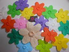 Flowers Designed by David Martinez   meirehirata.com Follow me on Instagram: Meire Hirata Origami