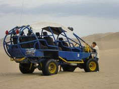 Dune buggy & Sandboarding in Huacachina (Ica)