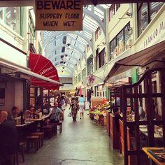 Marché jamaicain tres sympa dans un quartier populaire et bobo : Brixton Market à Coldharbour, Greater London