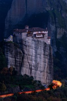 sublim-ature: Meteora, Greece Bill Peppas - My Utopian Mind Beautiful Places To Visit, Beautiful World, Great Places, Places To See, Amazing Places, Destinations, Heavenly Places, The Dream, Amazing Buildings