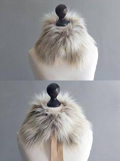 Faux fur collar in sand beige. Beige faux fur neck warmer.