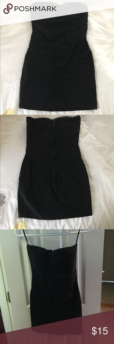 Strapless Black Dress Sweetheart Neckline Forever 21 Black strapless dress with sweetheart neckline. Zipper in back. Forever 21 Dresses Strapless