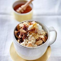 Sweet figs, creamy ricotta and crunchy almonds make this healthy oatmeal recipe a breakfast treat.