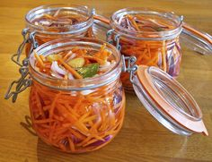 Syrade grönsaker kostekonom.se Healthy Recepies, Raw Food Recipes, Vegetable Recipes, Fall Recipes, Vegetarian Recipes, Chutney, Kimchi, Fermented Foods, Vegetable Dishes