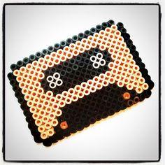 Isabelle Kessedjian: Perles à repasser. Hama Beads, Embroidery, Diy, Bags, Jewerly, Handbags, Needlepoint, Bricolage, Do It Yourself
