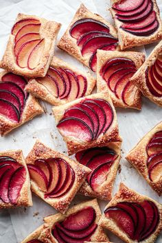 4-Ingredient Plum Tarts | Includes a vegan and refined sugar free option.