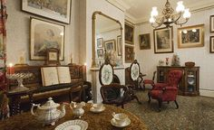 A drawing room in 1870 at the Geffrye Museum
