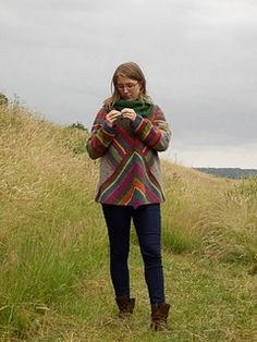 Ravelry: Pulloncho pattern by Annett Cordes Ravelry, Knitted Poncho, Bunt, Plaid Scarf, Knitting, Pattern, Sweaters, Jackets, Design