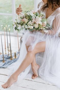 Save Money With These Great Wedding Tips. Whether you are researching wedding suggestions for yourself or even for a friend or loved one that has asked for help, you will undoubtedly realize that w Bridal Poses, Bridal Photoshoot, Bridal Shoot, Bridal Portraits, Bridal Pictures, Wedding Photos, Poses Boudoir, Female Led Marriage, Wedding Boudoir