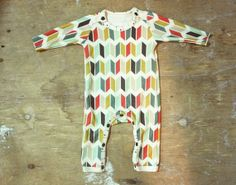welcome home baby...one-piece baby outfit by pellerina.. feathers and arrows unisex organic cotton.. made to order