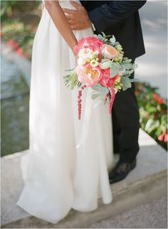Coral and ivory wedding | Images by Greg Finck, see full wedding http://goo.gl/clwx3W