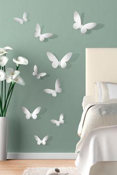 Mariposas 3D con diseño atractivo para pegar de forma fácil y segura en las paredes.